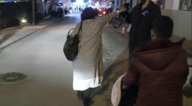 Çocuklarını sokak ortasına bırakıp kaçtı!