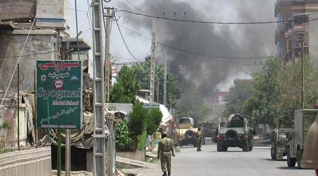 Afganistan'da cuma namazına saldırı: 25 ölü