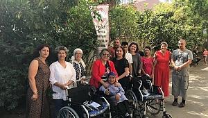 Sevgi Çiler'den Tekerlekli Sandalye Bağışı
