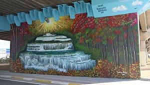 Adliye köprüsüne şelale manzarası