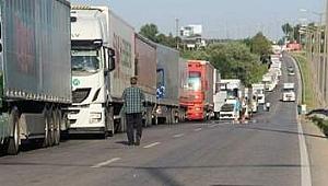 Kapıkule'de kriz! 13 kilometrelik kuyruk oluştu