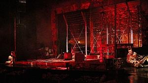 Kocaeli Şehir Tiyatrosu perdeyi açtı