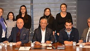 CHP'li Sarıbay, adaylarla bir araya geldi