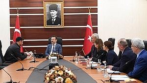 Vali Aksoy vatandaşlarla buluştu