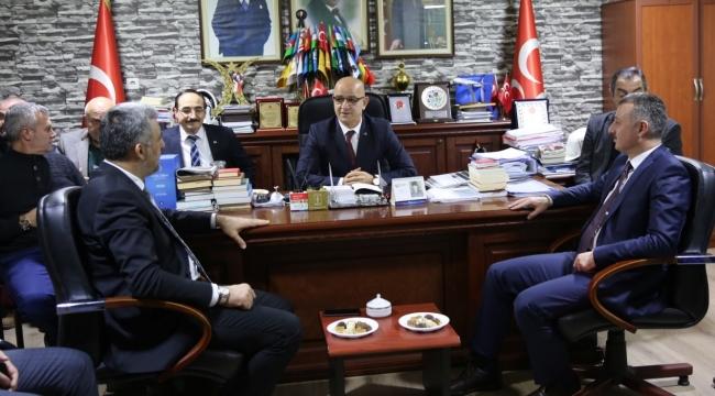 Büyükakın'dan MHP İl Başkanlığı'na ziyaret
