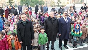 Kaymakam Güler ve Başkan Köşker, Özel Çocukların bayrak töreninde