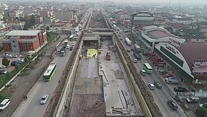 Köseköy Kavşağı'nda köprü kirişleri inşa ediliyor