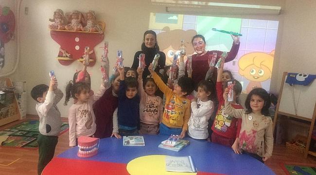 Darıca'da öğrencilere diş eğitimi