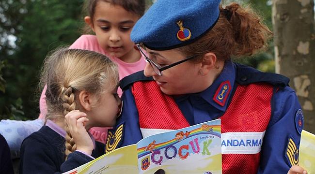 Jandarma gelecek nesillere güven aşılıyor