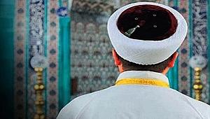 """Kocaeli'ne """"imam"""" aranıyor!"""