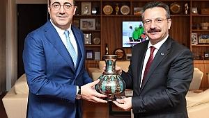 Vali Aksoy'dan THY Başkanı Aycı'ya ziyaret