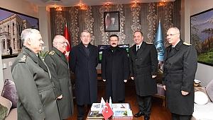 Vali Ersoy, Milli Savunma Bakanı Akar'ı karşıladı