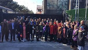 Çetinkaya'dan Flormar işçilerine  destek