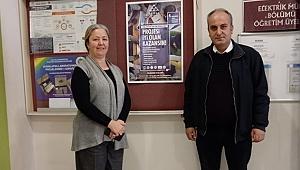 Posterlerini üniversite öğrencileri ile paylaştı