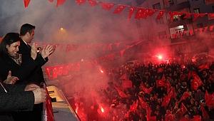 Binlerce mahalleliden Törk'e destek!