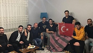 CHP'li gençler, AK Partili arkadaşlarını ziyaret etti