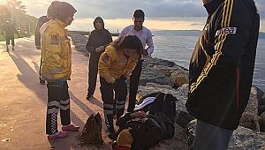 Denize düşen kadını Gebzeli polis kurtardı!