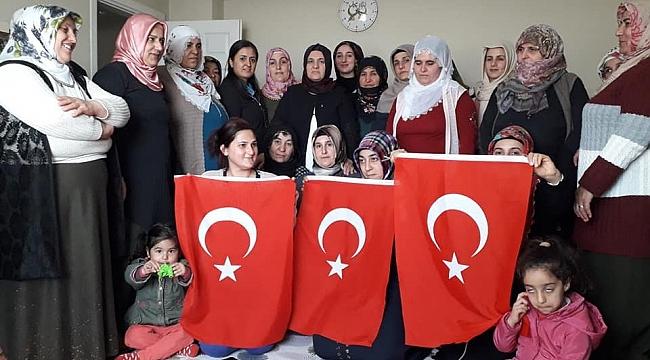 Dilovası'nda 15 bin kadın seçmenle buluştular