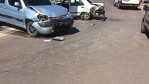 Gebze'de iki araç çarpıştı! 1 yaralı