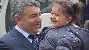 Minik Azra'dan babasına kocaman destek