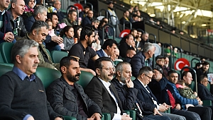 Vali Aksoy, Kocaelispor'a destek oldu