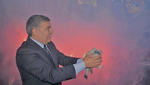 Başkan Şayir, Dilovası'nda ücresiz servis hizmeti başlattı!
