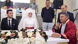 Başkan Şayir ilk nikâhını kıydı