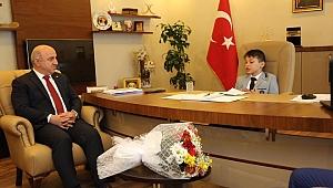 Bıyık makamını, Ahmet Kayra'ya bıraktı
