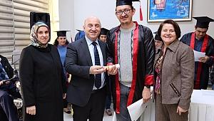 Darıca'da engelli vatandaşlar diplomalarını aldılar