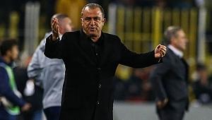 Galatasaraylı taraftarlardan Fatih Terim'e değişiklik eleştirisi!