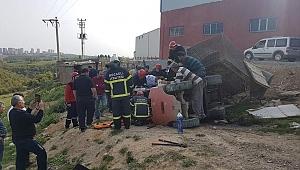 Gebze'de bir işçi forklif altında kaldı