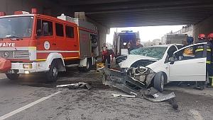 Gebze'de kaza! Araçta sıkışan iki kişiyi itfaiye kurtardı