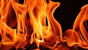 Gebze'de yangın! 1 kişi dumandan etkilendi!