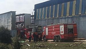 Geri dönüşüm fabrikasında yangın paniği