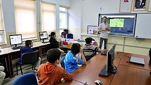 GTÜ'lü öğrenciler yazılım ve kodlama anlattı