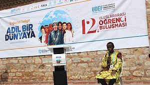 Öğrenciler kültürlerini Gebze'de sergiledi