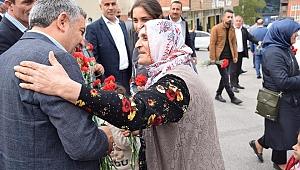 Başkan Şayir Anneler Gününü unutmadı