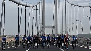 Bisikletle Osmangazi Köprüsünden geçtiler