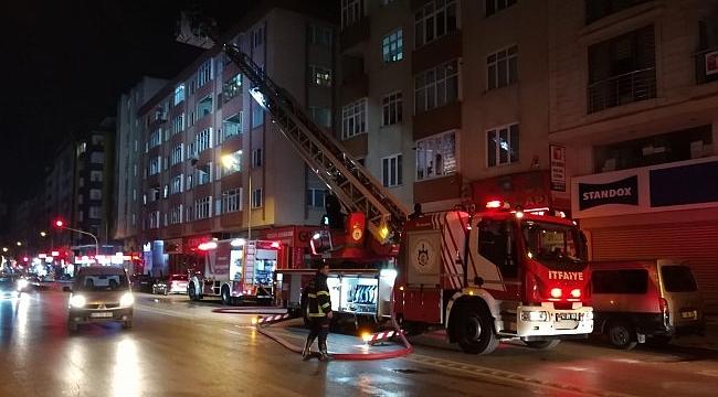 Gebze'de çatı yangını!