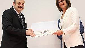 GTÜ'ye Turuncu Bayrak ödülü