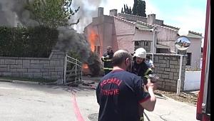 Darıca'da kalorifer kazanını sökerken yangın çıktı