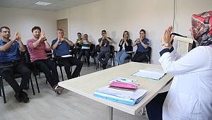 KO-MEK'ten polise, işaret dili eğitimi