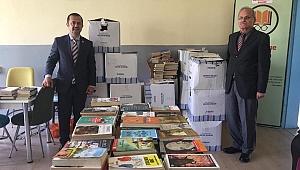 Necmettin Hoca için 7 bin kitap bağışlandı