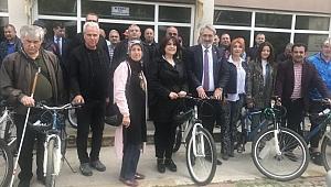 Spor kulüplerine bisiklet dağıtıldı