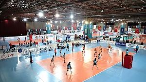 Voleybol Midiler Türkiye Şampiyonası Kocaeli'de başladı