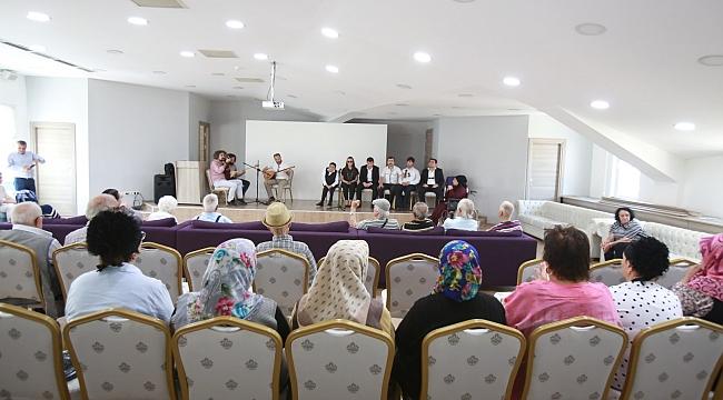 Engelsiz Sanat Topluluğu'ndan huzurevi sakinlerine konser