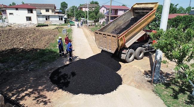Günde yaklaşık 40 ton asfaltla yollar onarılıyor