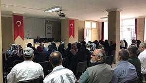 Kadıoğlu'ndan Hacı adaylarına sağlık eğitimi