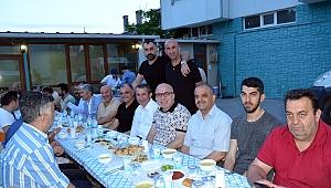 Ümit Aydın'dan iftar yemeği