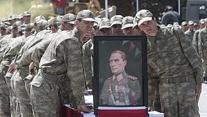 Yeni askerlik teklifi salı günü Meclis'te oylanacak